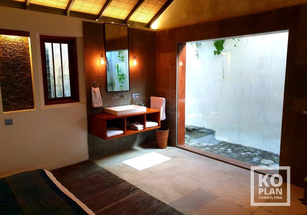 07-SARI DEWI-BATH ROOM 1